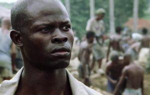 """Djimon Hounsou, de """"Diamante de Sangue"""", irá estrelar novo filme do diretor de """"A Outra História Americana"""""""