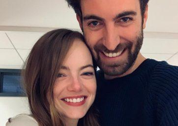 Emma Stone e Dave McCary em foto publicada no Instagram (Reprodução)