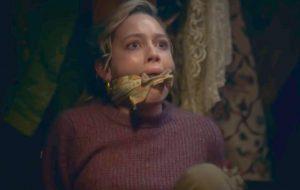 """""""A Maldição da Mansão Bly"""" ganha trailer aterrorizante e cheio de mistérios"""
