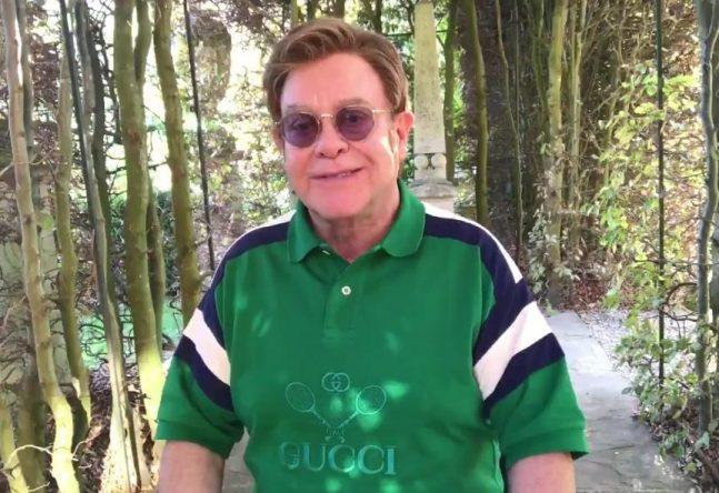 Elton John em vídeo sobre a nova turnê publicado no Twitter (Reprodução)