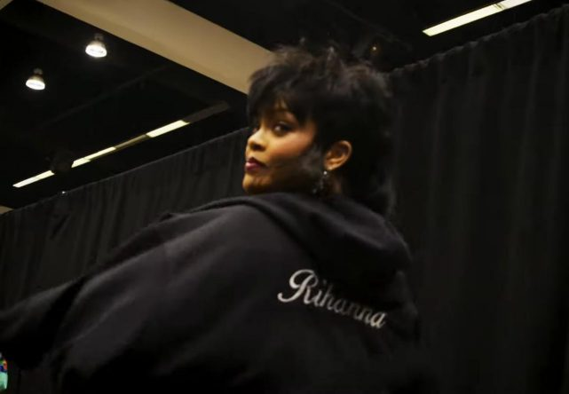 """Rihanna no especial """"Savage X Fenty Show Vol. 2"""" (Reprodução)"""