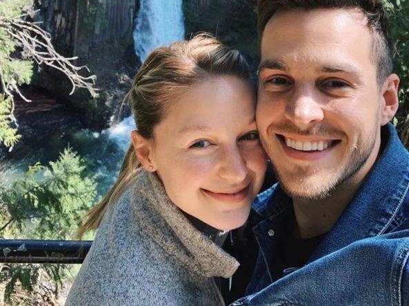 Melissa Benoist e Chris Wood em foto publicada no Instagram (Reprodução)