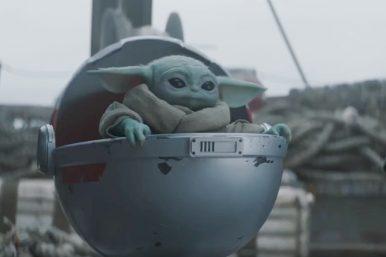 """'Baby Yoda' na 2ª temp. de """"The Mandalorian""""(Reprodução)"""