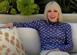 Carly Rae Jepsen canta clássicos da Disney, ABBA e mais, direto de casa, em vídeo para a ELLE