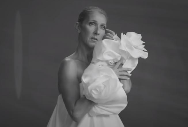 """Celine em cena do clipe de """"Imperfections"""" (Reprodução)"""