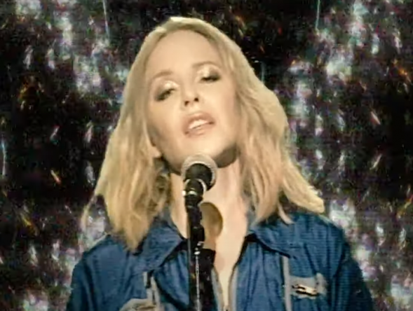 Kylie Minogue durante performance (Foto: Reprodução)