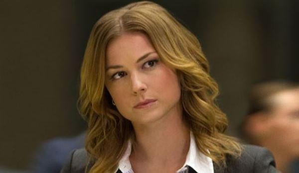 """Emily VanCamp como Agente 13 em """"Capitão América 2"""" (Reprodução)"""