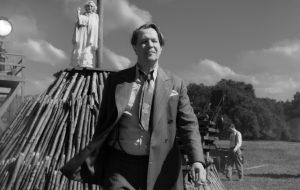 """Gary Oldman se destaca nas primeiras imagens de """"Mank"""", novo filme de David Fincher"""