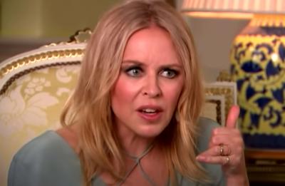 Kylie Minogue em entrevista para ITV News (Reprodução)
