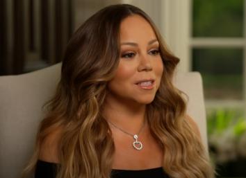 Mariah Carey durante entrevista (Reprodução)