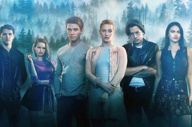 """Elenco de """"Riverdale"""" em pôster da 4ª temporada (Divulgação)"""