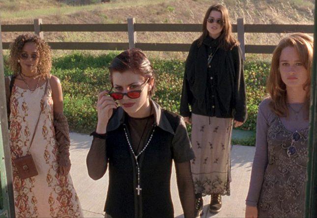 """Cenas do filme """"Jovens Bruxas"""" (1996) (Reprodução)"""