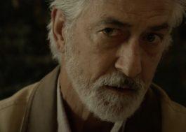 """David Strathairn tem a fazenda poluída por óleo no trailer do filme """"The Devil Has A Name"""""""