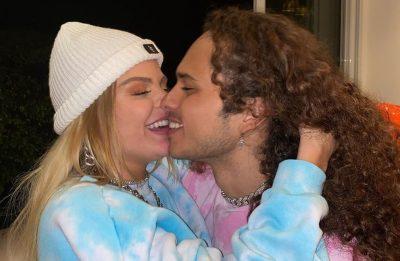 Luísa Sonza e Vitão em foto romântica publicada no Instagram (Reprodução)