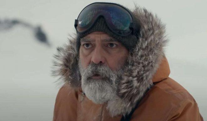 """George Clooney em """"O Céu da Meia-Noite"""" (Reprodução)"""