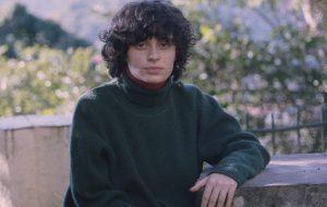 Entrevista: indicada ao Latin Grammy, Ana Frango Elétrico revela microuniversos em livro de poesias