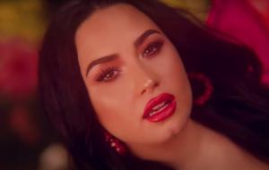 """Demi Lovato divulga novo trecho do single """"Commander In Chief"""""""