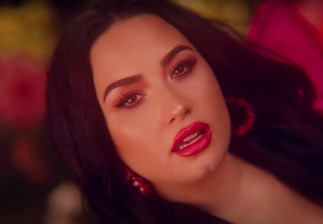 """Demi no clipe de """"OK Not To Be OK (Duke & Jones Remix)"""" (Reprodução)"""
