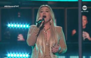 Kelly Clarkson, Pentatonix e Sheila E. abrem o Billboard Music Awards 2020