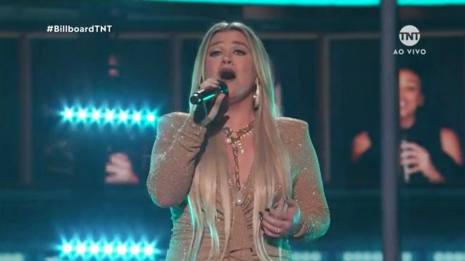 Kelly Clarkson no BBMAs (Reprodução)