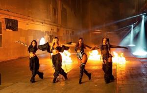 """Little Mix divulga trechos da letra e novas fotos de """"Sweet Melody"""", que chega amanhã (23)"""