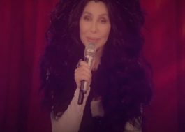 "Cher lança versão inédita de ""Happiness Is Just a Thing Called Joe"" em evento eleitoral"