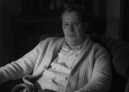 """Gary Oldman interpreta roteirista de """"Cidadão Kane"""" no trailer de """"Mank"""", novo filme de David Fincher"""