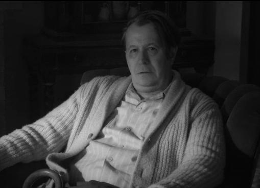"""Gary Oldman em cena de """"Mank"""" (Reprodução)"""