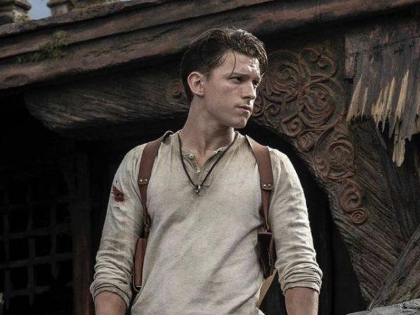 """Tom Holland durante filmagens de """"Uncharted"""" (Divulgação)"""
