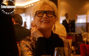 """Meryl Streep é destaque em novas fotos do filme """"Let Them All Talk"""", de Steven Soderbergh"""