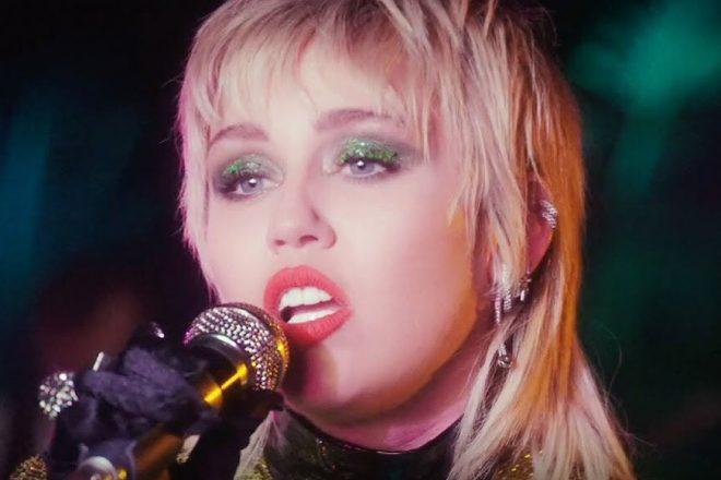 """Miley Cyrus em especial do """"Acústico MTV"""" (Reprodução)"""