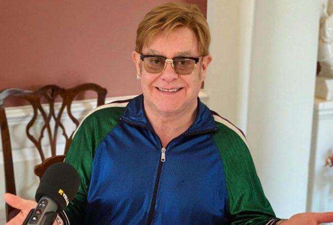Elton John em foto postada no Instagram (Reprodução)