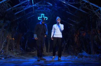 Justin Bieber e Chance The Rapper em performance no SNL (Reprodução)