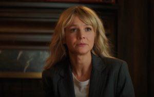 "Carey Mulligan persegue homens abusivos no novo trailer de ""Promising Young Woman"""