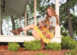 """""""Holly Hobbie"""": Disney Channel anuncia nova série inspirada em personagem clássica dos anos 1960"""