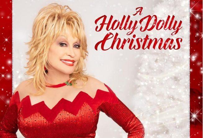 """Dolly Parton na capa do disco """"A Holly Dolly Christmas"""" (Divulgação)"""