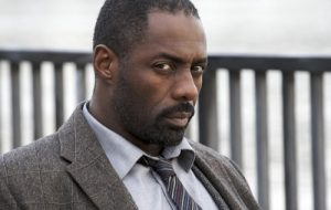 """Criador de """"Luther"""" revela que mais histórias do detetive estão a caminho"""