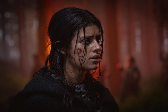 """Anya Chalotra na 2ª temporada de """"The Witcher"""" (Divulgação)"""