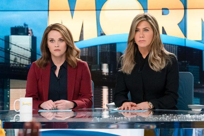 "Reese Witherspoon e Jennifer Aniston em ""The Morning Show"" (Reprodução)"