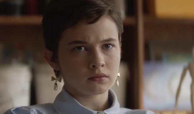 """Cailee Spaeny em cena exclusiva de """"Jovens Bruxas - Nova Irmandade"""" (Reprodução)"""