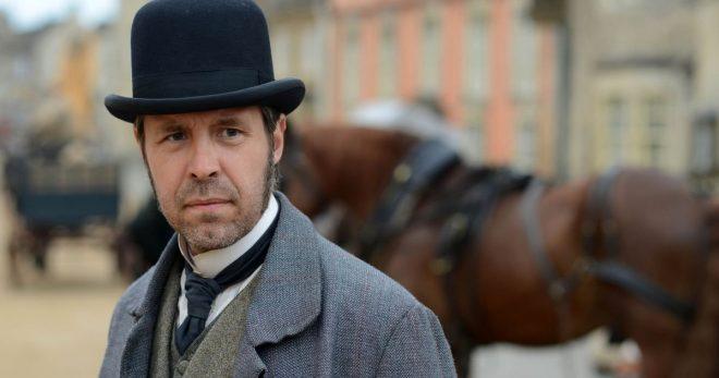 """Paddy Considine na série """"The Suspicions of Mr Whicher"""" (Reprodução)"""
