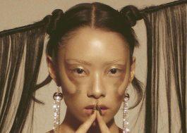 """Rina Sawayama revela tracklist da versão deluxe do álbum """"Sawayama"""""""