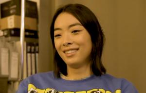 Rina Sawayama anuncia data de lançamento de documentário sobre álbum de estreia