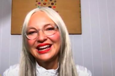 Sia durante entrevista (Reprodução)
