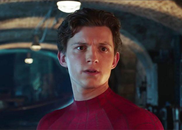 """Tom Holland em cena de """"Homem-Aranha: Longe de Casa"""" (Reprodução)"""