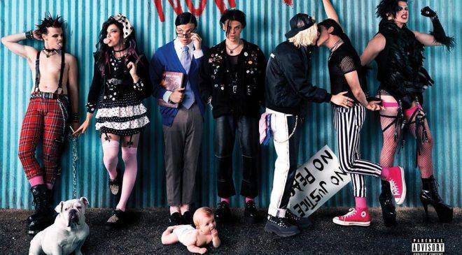 """Capa do álbum """"Weird"""", de YUNGBLUD (Divulgação)"""