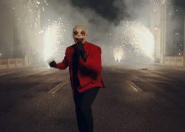 """The Weeknd canta """"In Your Eyes"""" e """"Save Your Tears"""" em apresentação grandiosa no AMA"""