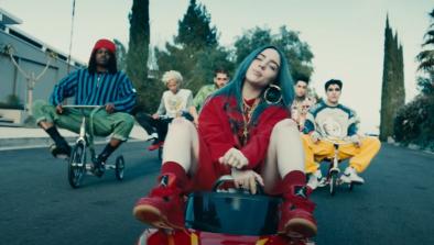 A canção faz parte do álbum de estreia da cantora, lançado em 2019 (Reprodução)