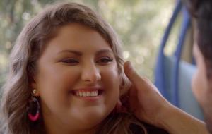 """""""Game dos Clones"""": teaser de novo episódio mostra solteira em busca de romance"""