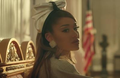 """Ariana lançou o álbum """"Positions"""" há alguns dias (Reprodução)"""